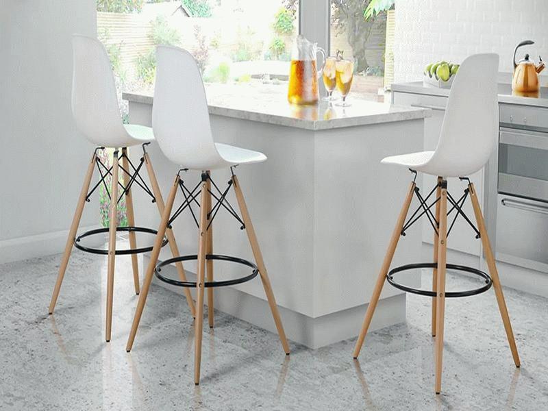 Выбор стула зависит от стиля пространства