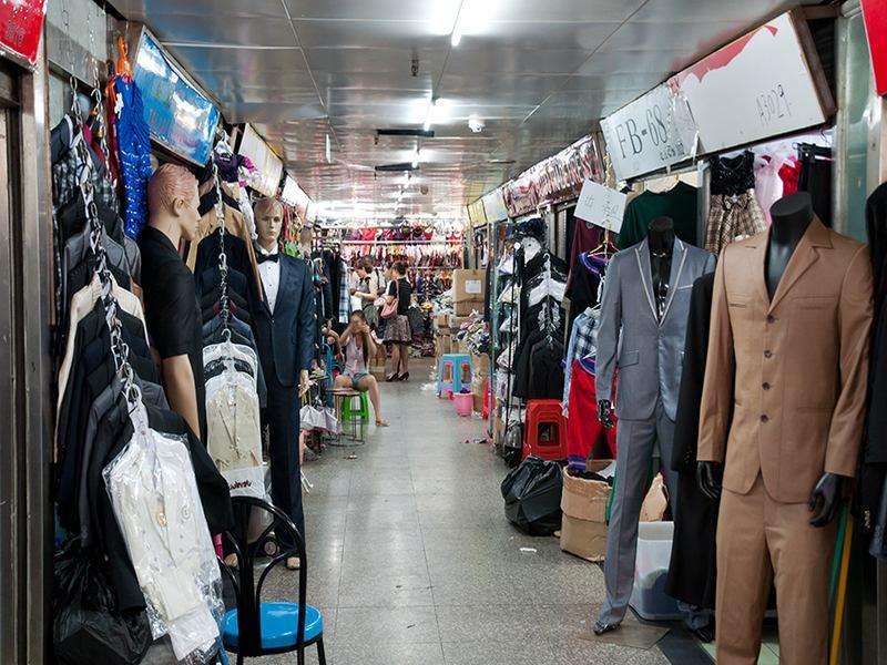 Внутри рынка в Гуанчжоу