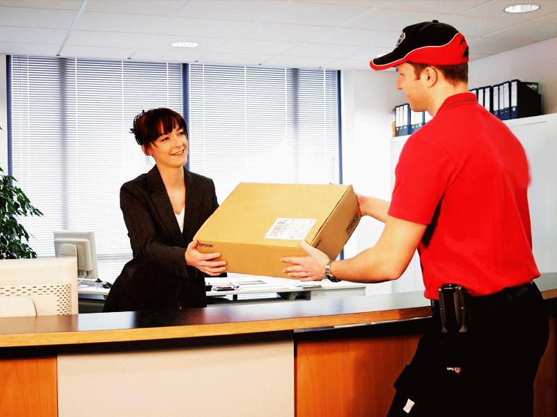 Получая товар, покупатель определяет - соответствует ли он заявленной характеристике, после чего подтверждает покупку или отказывается