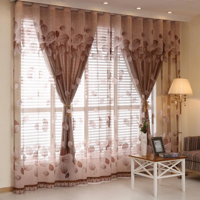 тюль подчеркивает индивидуальность помещения и придает комнате законченный вид