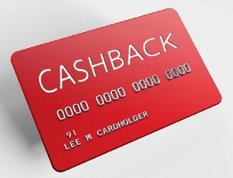 Банковские карты с опцией возврата денег привлекают клиентов своими возможностями