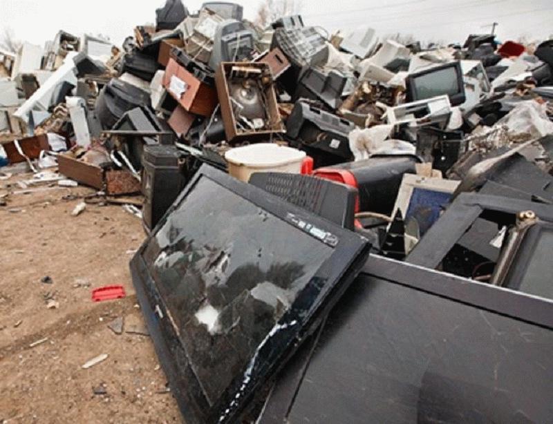 Во время действия акций сотни ненужных приборов сдаются в утиль