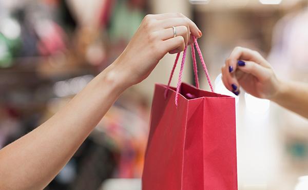 Совершать покупки онлайн просто