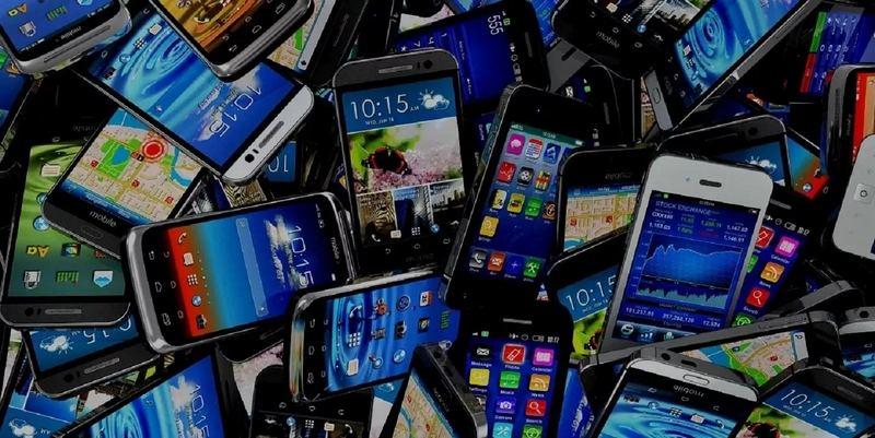 смартфоны ищут в ДНС
