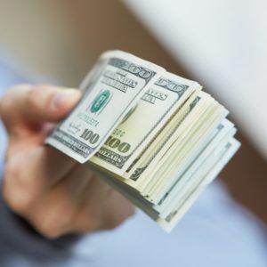 можно ли брать деньги под залог квартиры